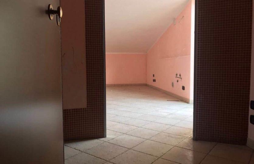 Andria-via madonna dei miracoli vendesi appartamento - Annunci Immobiliarei Andria - Leone Immobiliare (4)